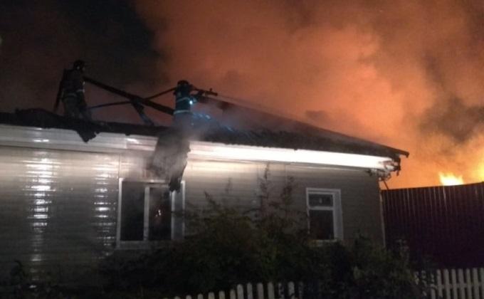 Два человека погибли на пожаре в Новосибирске