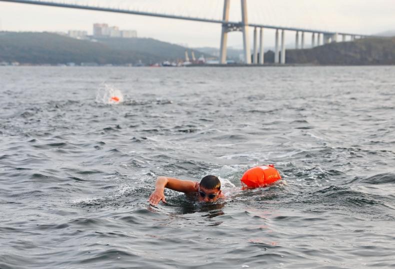 Cпортсмены проплыли дистанции во Владивостоке и Калининграде в один день (8).jpeg