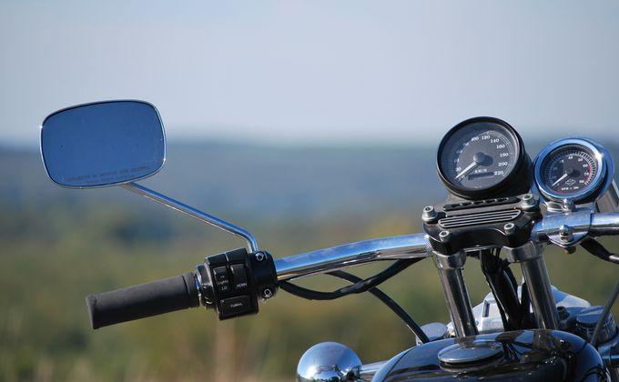 На мотоцикл 80-летнего деда покусились злоумышленники в Чулыме