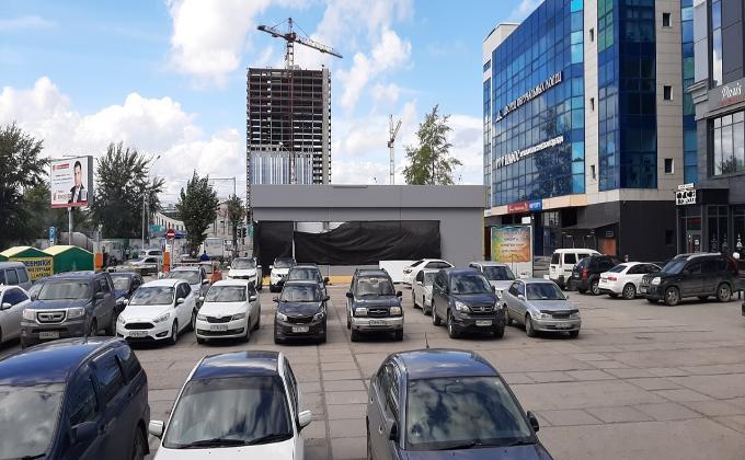 Крупный торговый павильон у ГУМа оказался «нестационарным объектом»