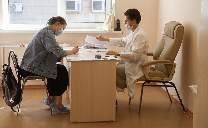 Прирост пациентов с COVID-19 один из самых низких в Сибири в Новосибирской области
