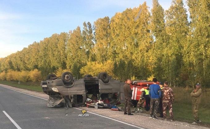 Микроавтобус перевернулся в Черепановском районе