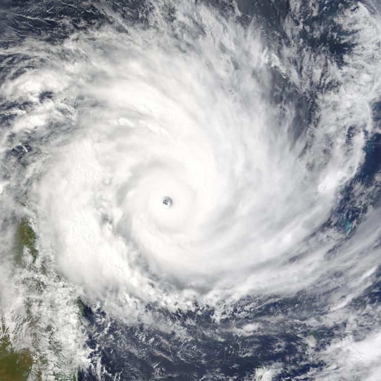 «Хайшен» достиг стадии супертайфуна