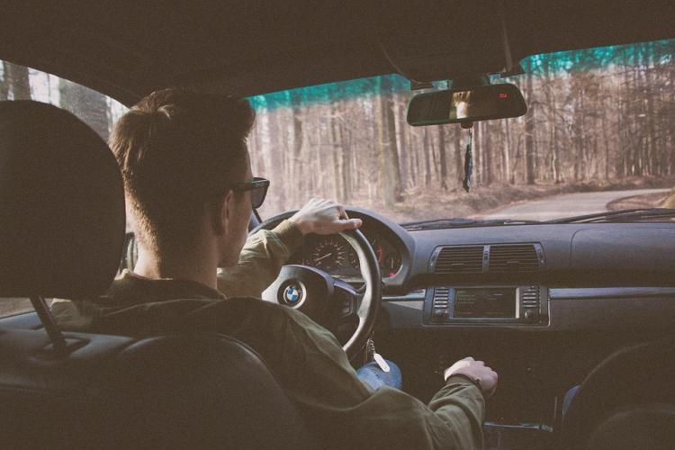 В России предложили разрешить вождение автомобиля с 16 лет