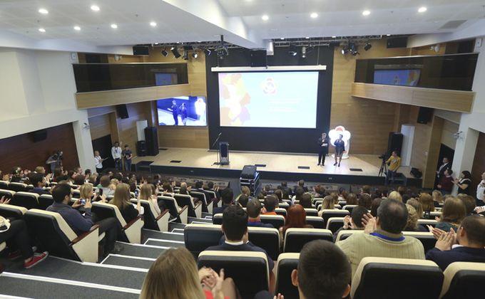 Еще один вуз Новосибирска решил учить студентов дистанционно из-за угрозы ковид-19