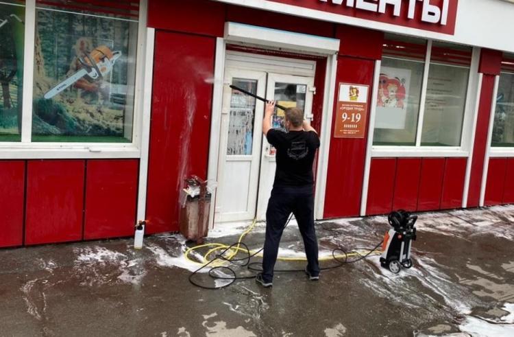 Во Владивостоке проверили зданий на чистоту