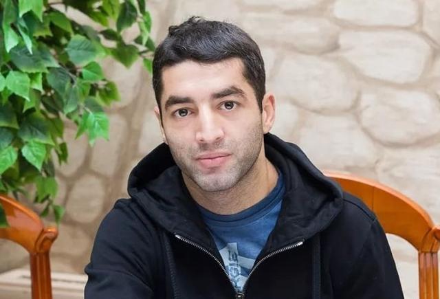 Новосибирский боксер Михаил Алоян рассказал, как врачи вылечили его от COVID-19