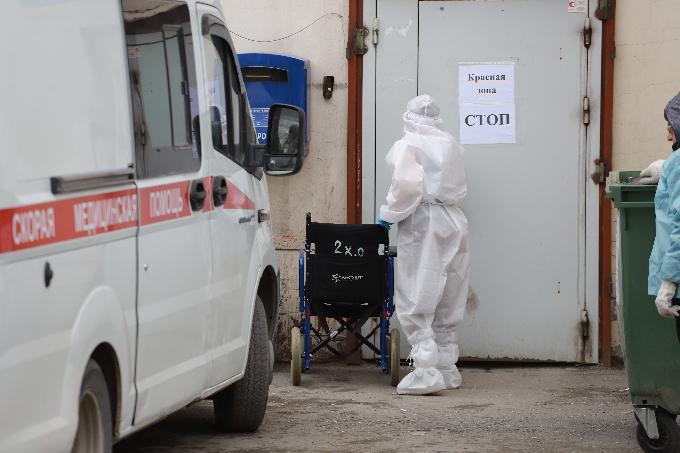 24-летняя женщина умерла от COVID-19 в Новосибирске