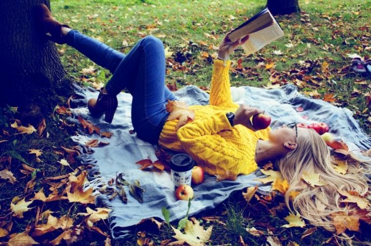 «Поделиться красотой»: девушки Приморья участвуют в фотоконкурсе