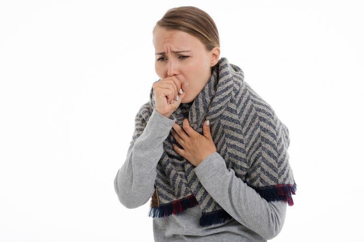 Врач рассказал, когда больные COVID-19 наиболее заразны