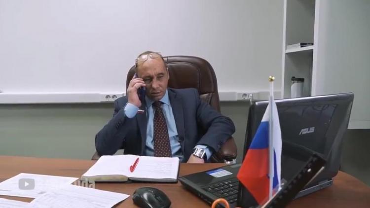 Виталий Наливкин подарил приморцам бесплатные маски