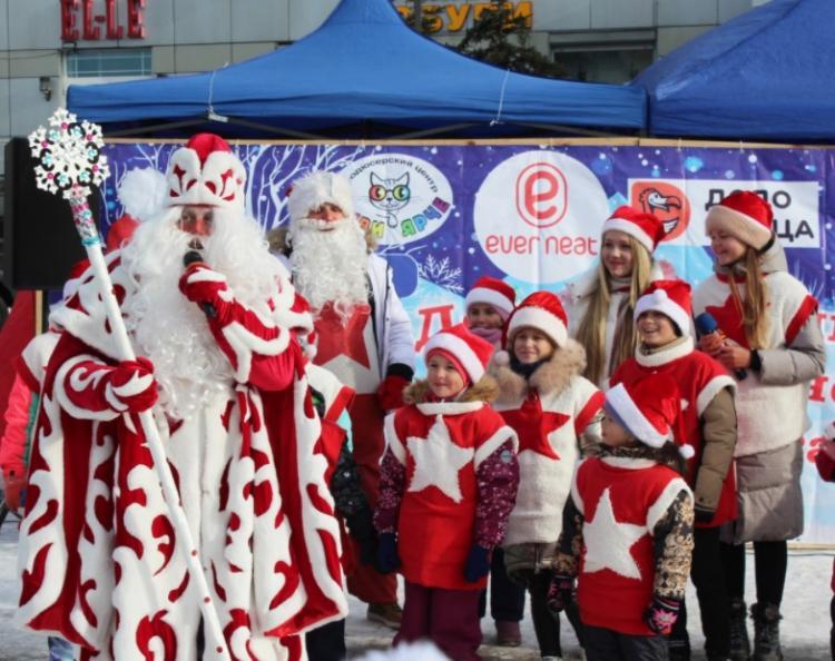 Дальневосточный Дед Мороз отметил день рождения во Владивостоке