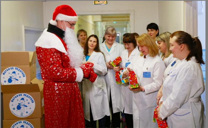 В Новосибирске 35 тысяч подарков получат дети врачей, работающих в «красной» зоне