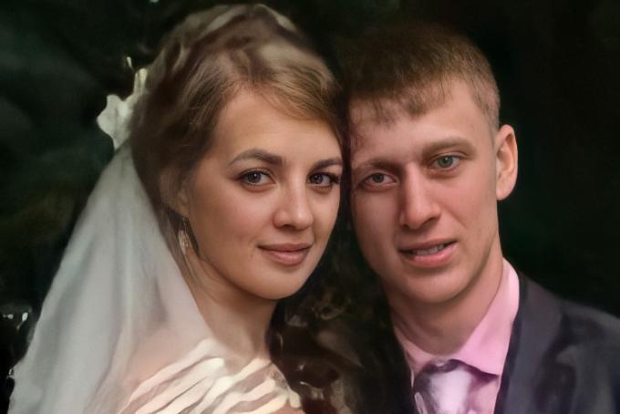 Семья с двумя детьми на дорогой иномарке пропала в Новосибирске