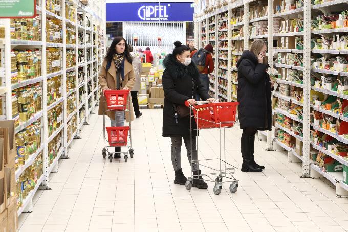 Стоимость предновогоднего минимального набора продуктов назвал Новосибирскстат