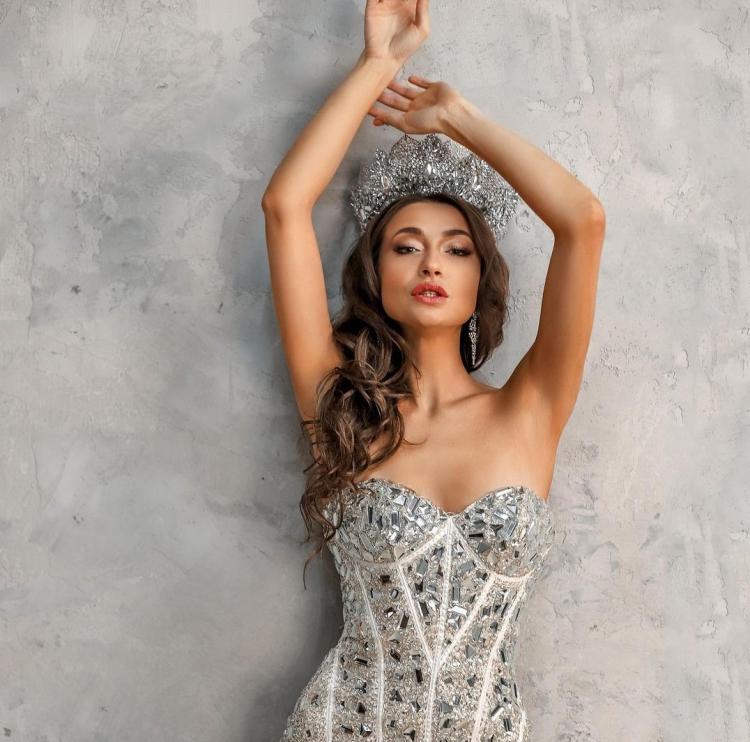 Модель из Владивостока примет участие в международном конкурсе красоты