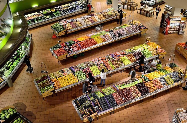 Как звери: владивостокцы устроили столпотворение на открытии супермаркета