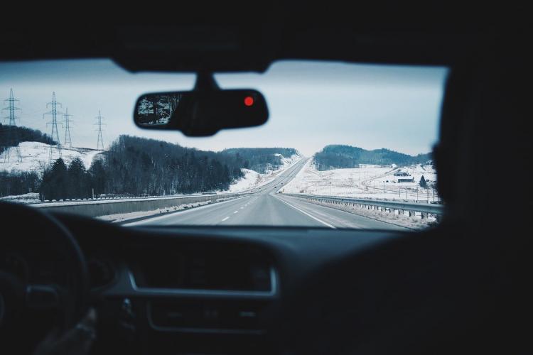 Эксперт рассказал, можно ли не прогревать машину зимой