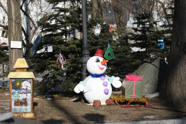 Сказка «12 месяцев» во Владивостоке: необычный новогодний арт-объект