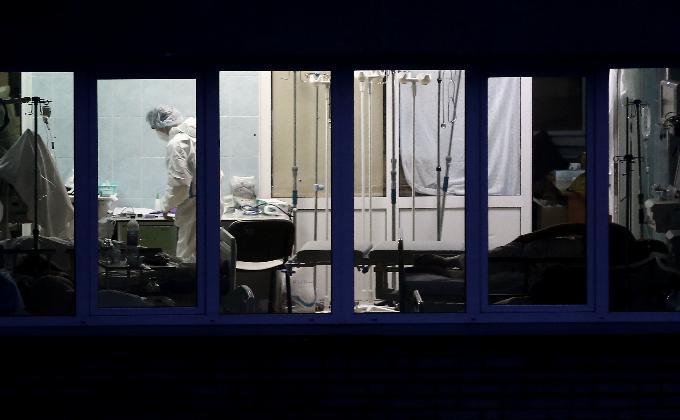 Девять новосибирцев скончались от коронавируса за сутки