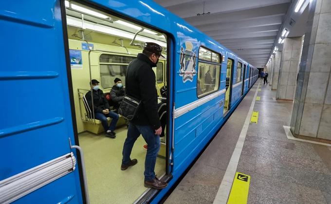 На поезда без машиниста планирует перейти Новосибирский метрополитен