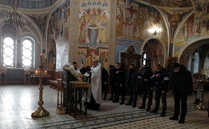 Молебен для тренеров боевых единоборств совершен в Александро-Невском соборе