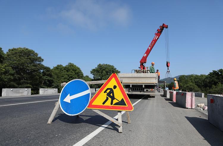 В Приморье отремонтируют сотню километров дорог