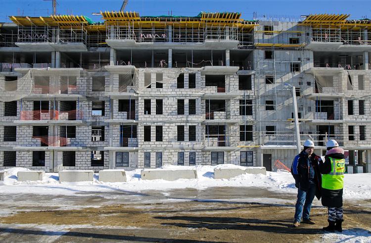 Во Владивостоке к строительству на Русском привлекут больше рабочих