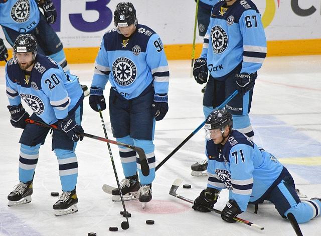 «Сибирь» проиграла «Амуру» и лишилась шансов на выход в плей-офф