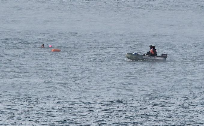Новосибирцы в трусах переплыли Обь в честь 23 февраля