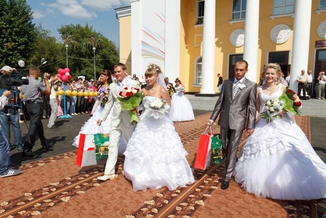 Названа средняя стоимость свадьбы в Новосибирске