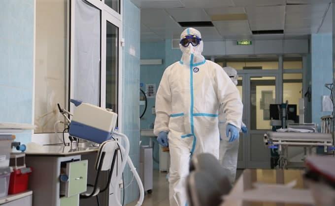 Лучше поставить прививку, чем болеть – главврач госпиталя о COVID-19