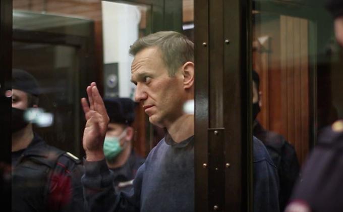«Не спешите нас хоронить»: всё о решении суда по блогеру Навальному