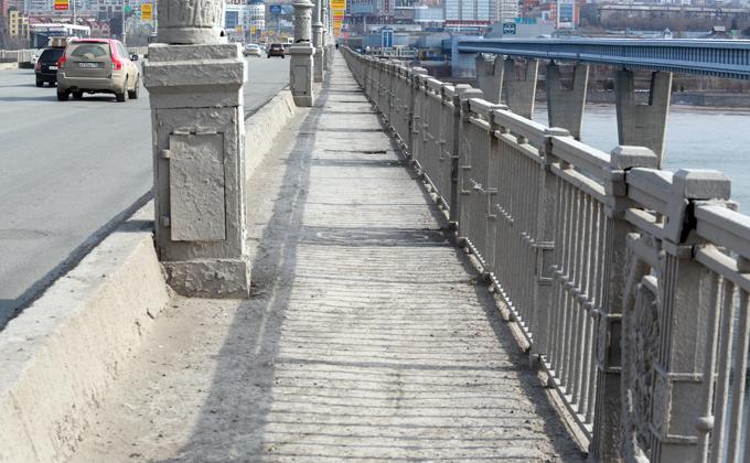 Октябрьский мост капитально отремонтируют за 28,5 млн рублей