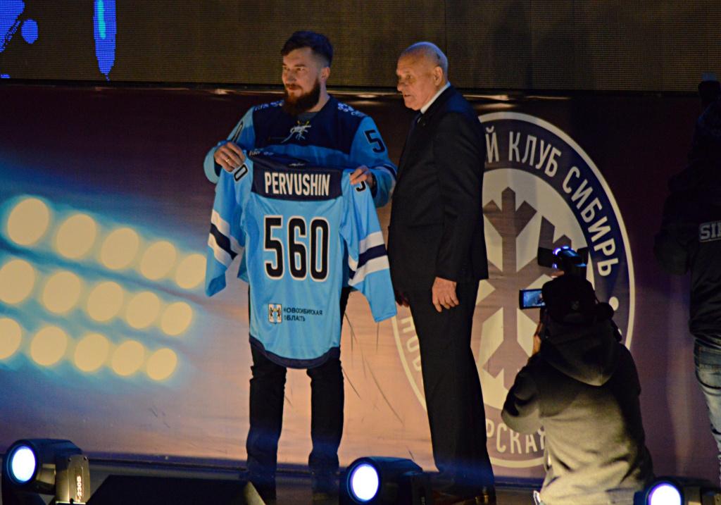 «Сибирь» проводила хоккеиста Первушина на «пенсию»: чем он запомнился болельщикам