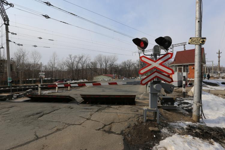 В Смоляниново из-за ремонтных работ закроют железнодорожный переезд