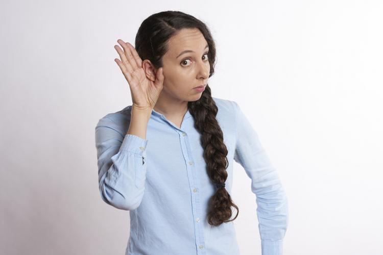 Врач рассказал об опасном влиянии коронавируса на слух
