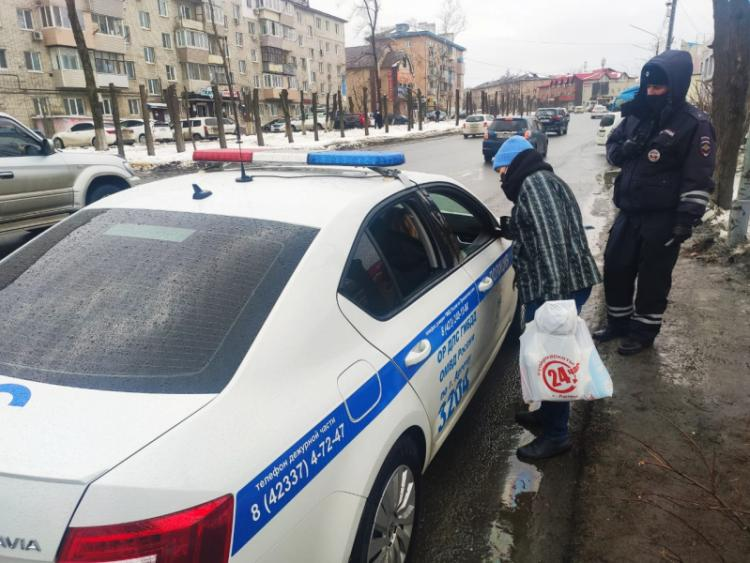 Приморское ГАИ проконтролировало поведение пешеходов на дорогах
