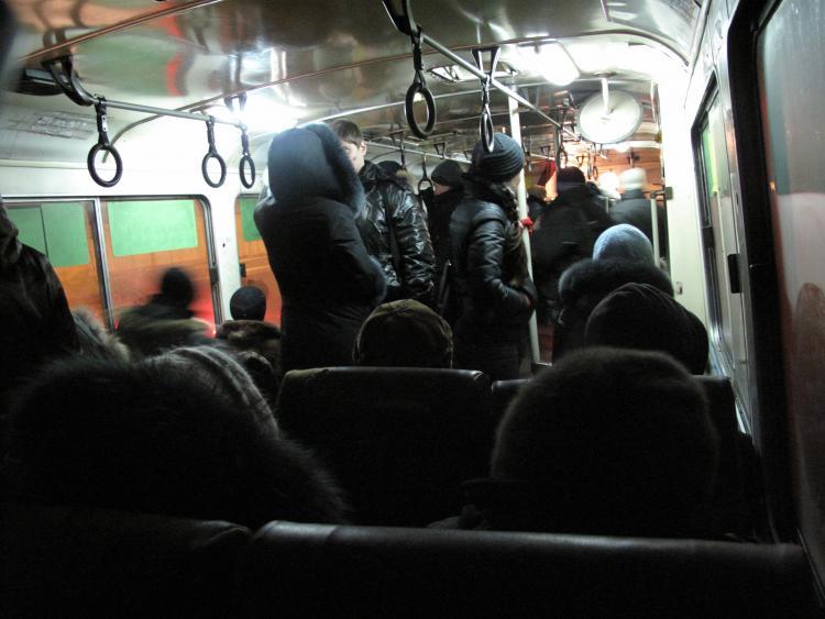 Во Владивостоке у женщины в автобусе вытащили кошелёк с деньгами