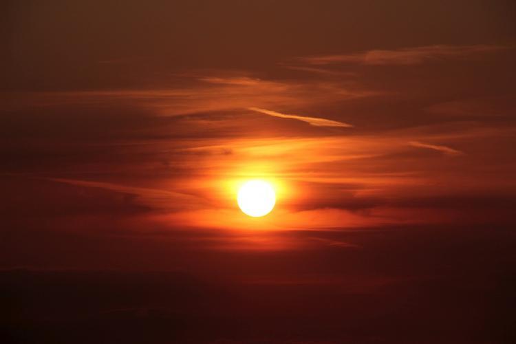 Из-за солнца в Приморье будут происходить сбои теле- и радиотрансляций