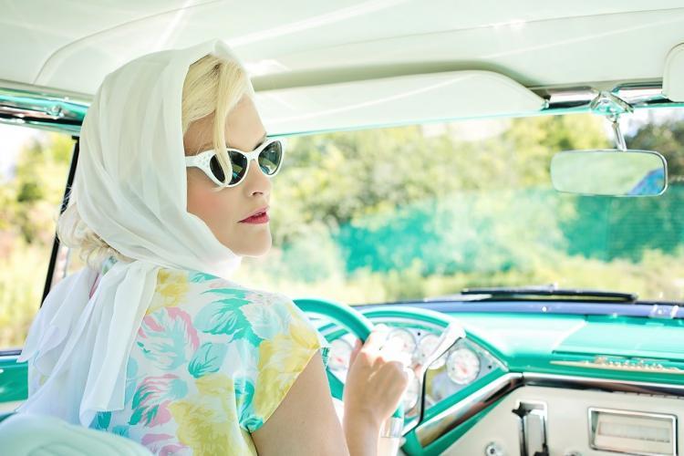 Отчаялась девушка: приморцы обсуждают «предприимчивость» автомобилистки