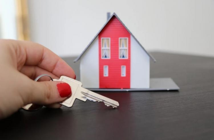 Во Владивостоке объявлены первые аукционы по приобретению жилья сиротам