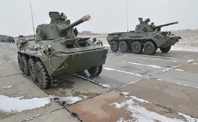 Колонны военной техники маршем движутся к Новосибирску