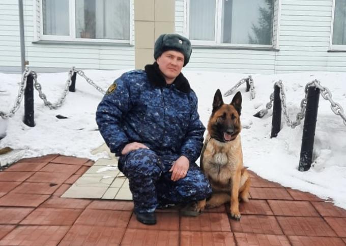 Овчарка Зера оставила новосибирских зеков без наркотиков