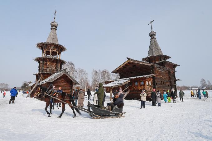 Масленица в Зашиверской церкви: игрища на фоне истории