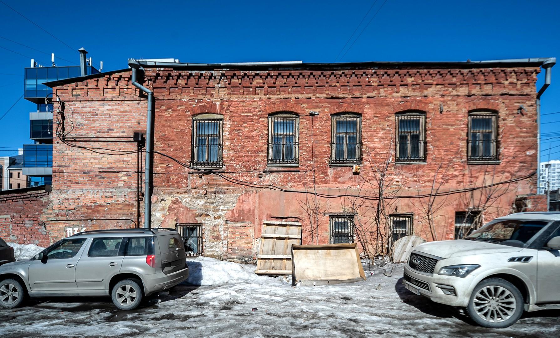 Тут была типография, пивной склад и коммуналка, а теперь мы: «Том Сойер Фест» получил постоянную штаб-квартиру