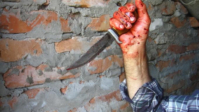 Житель Бердска зарезал жену — полиция его отпустила