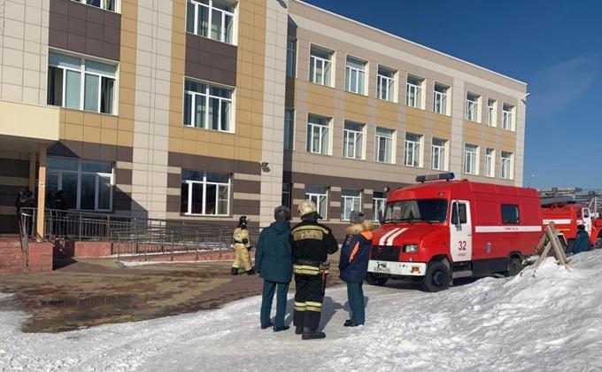 Пожар в школе №67 Новосибирска начался с раздевалки