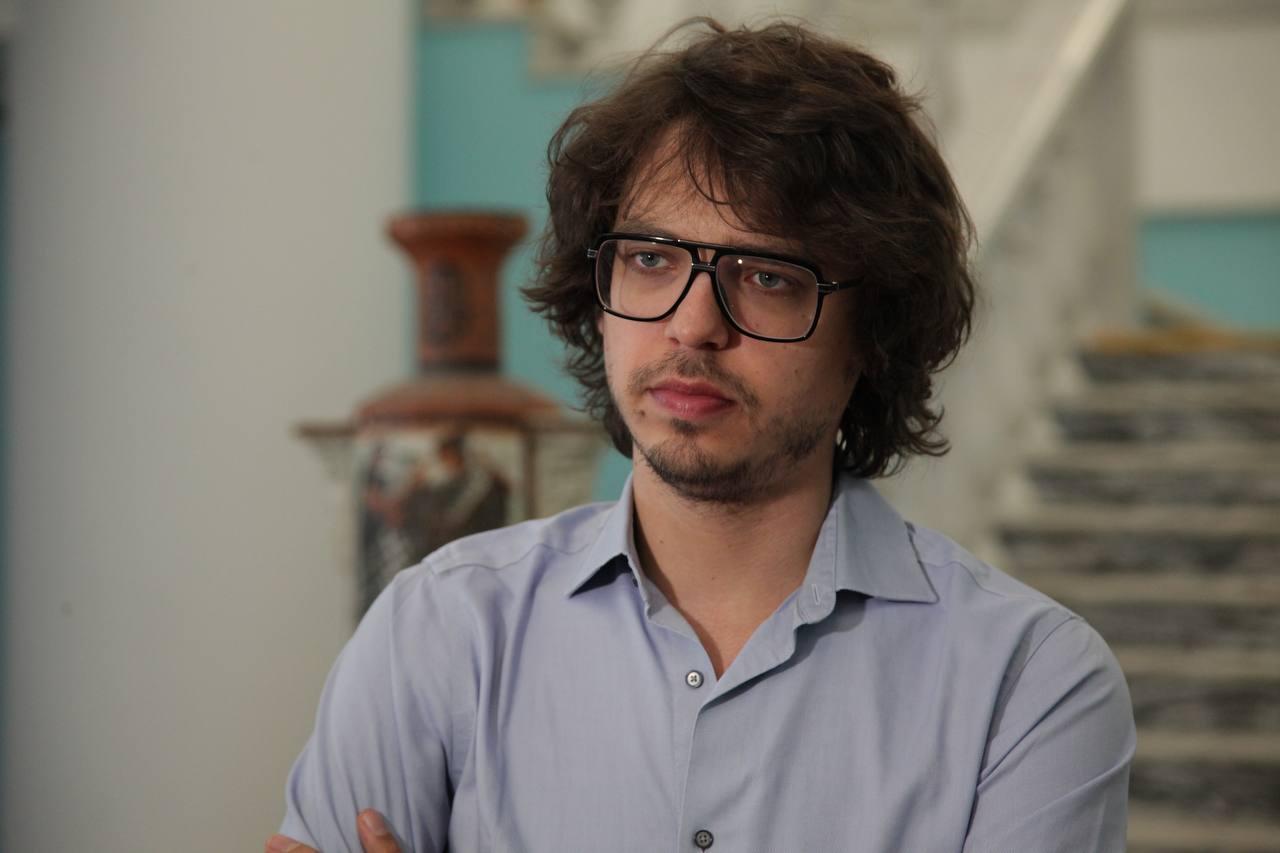 «У меня нет русской бабушки». Французский пианист Люка Дебарг  дал концерт в Челябинске