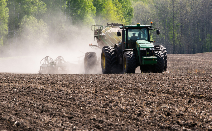 На поддержку аграриев Новосибирской области выделят 1,6 млрд рублей